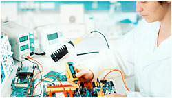 Photo of an mechatronics technician.